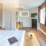TrustyS Bedroom 1